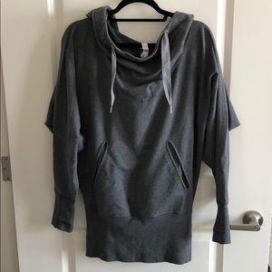 Lululemon tunic sweatshirt - size 8